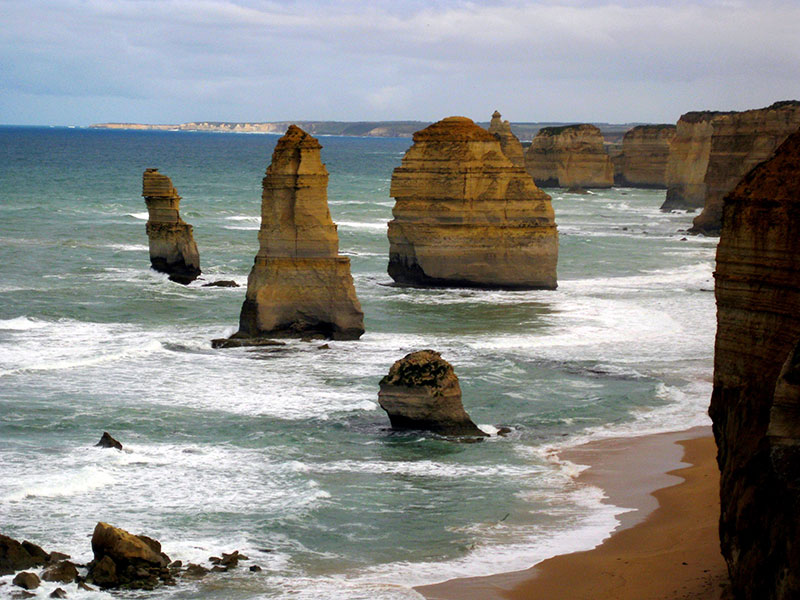 Coastal rock formation, The Twelve Apostles.